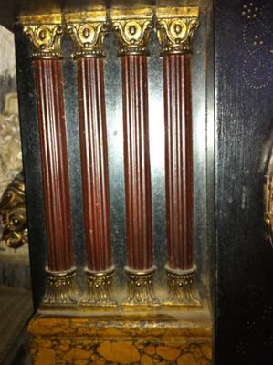 Ingraham clock columns