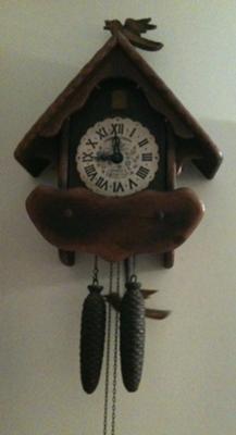 N E No 240k American Cuckoo Bird Clock