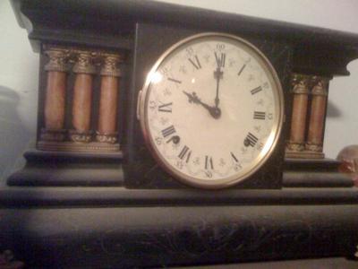 Wm L Gilbert 1906 black mantel clock