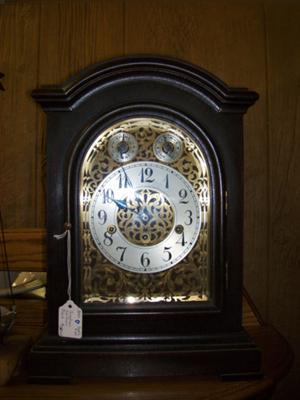 Junghan's Bracket Clock