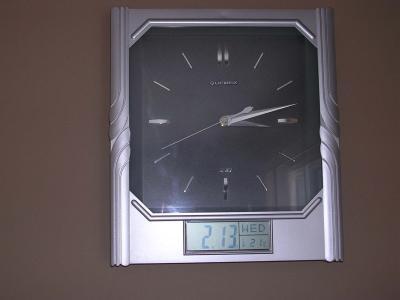 Quartz Time & Temperature Clock